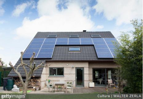 bien entretenir ses panneaux solaires pour plus de s curit. Black Bedroom Furniture Sets. Home Design Ideas