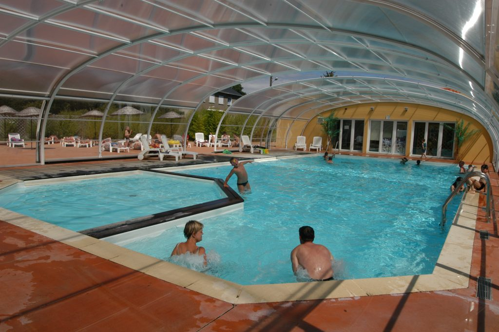Piscine-couverte-veranda